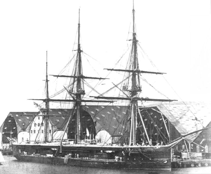 HMS_Captain_4.jpg